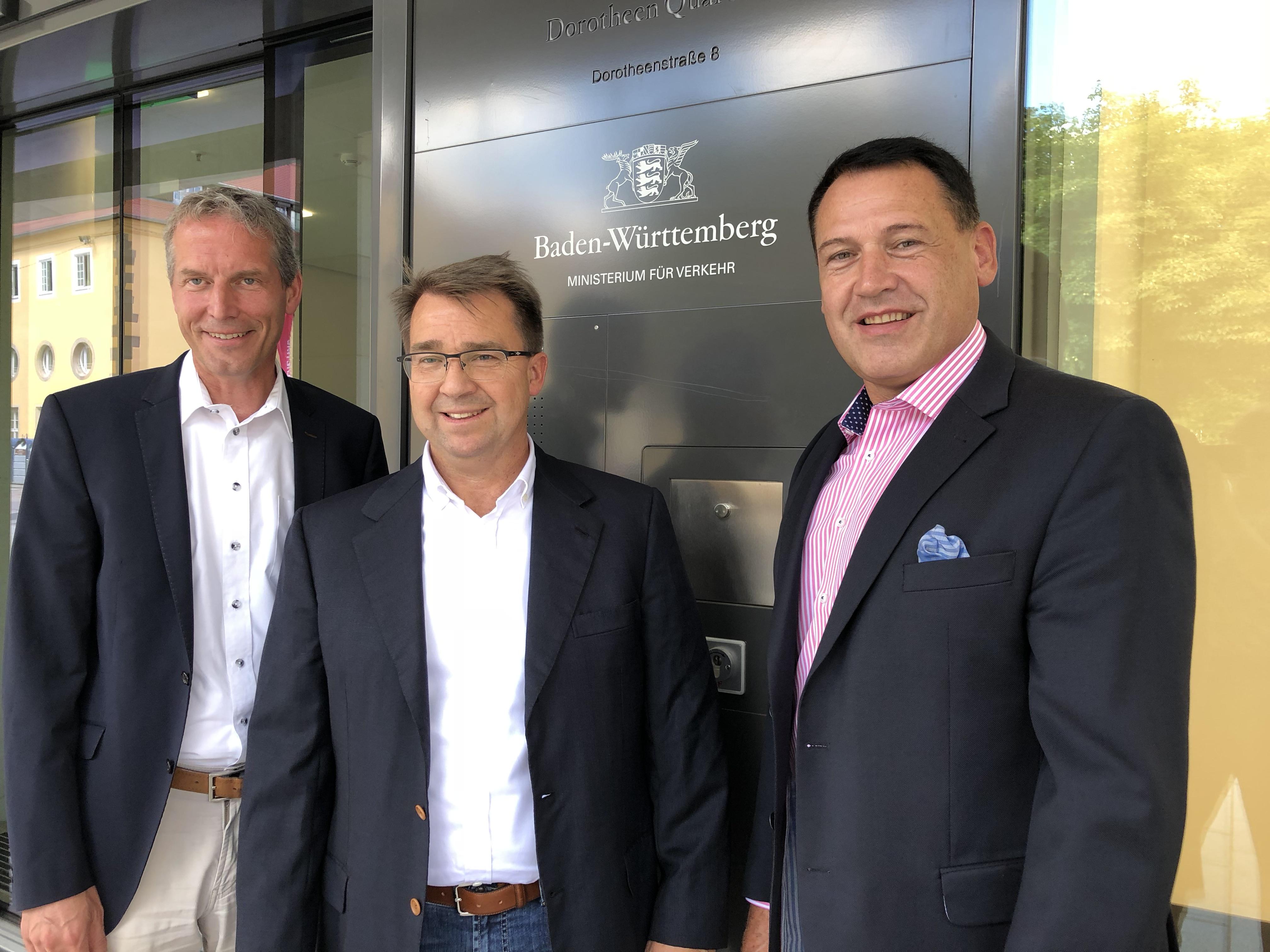 Jochen Haußmann, Leo Grimm und Bürgermeister Hans Georg Schuhmacher