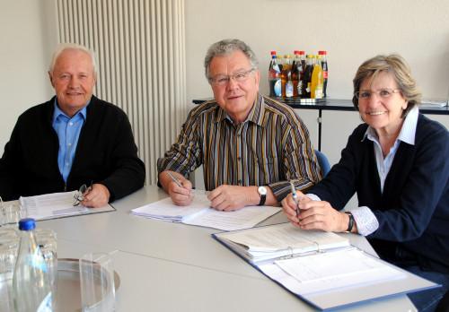 Thomas Kästle, Franz Schuhmacher und Regina Wenzler bilden den Vorstand der Spaichinger Bürgerstiftung Foto:B.R.