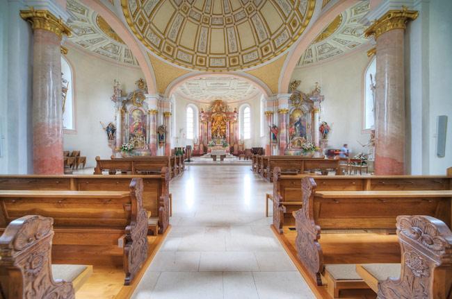 Kirchenschiff der Dreifaltigkeitskapelle