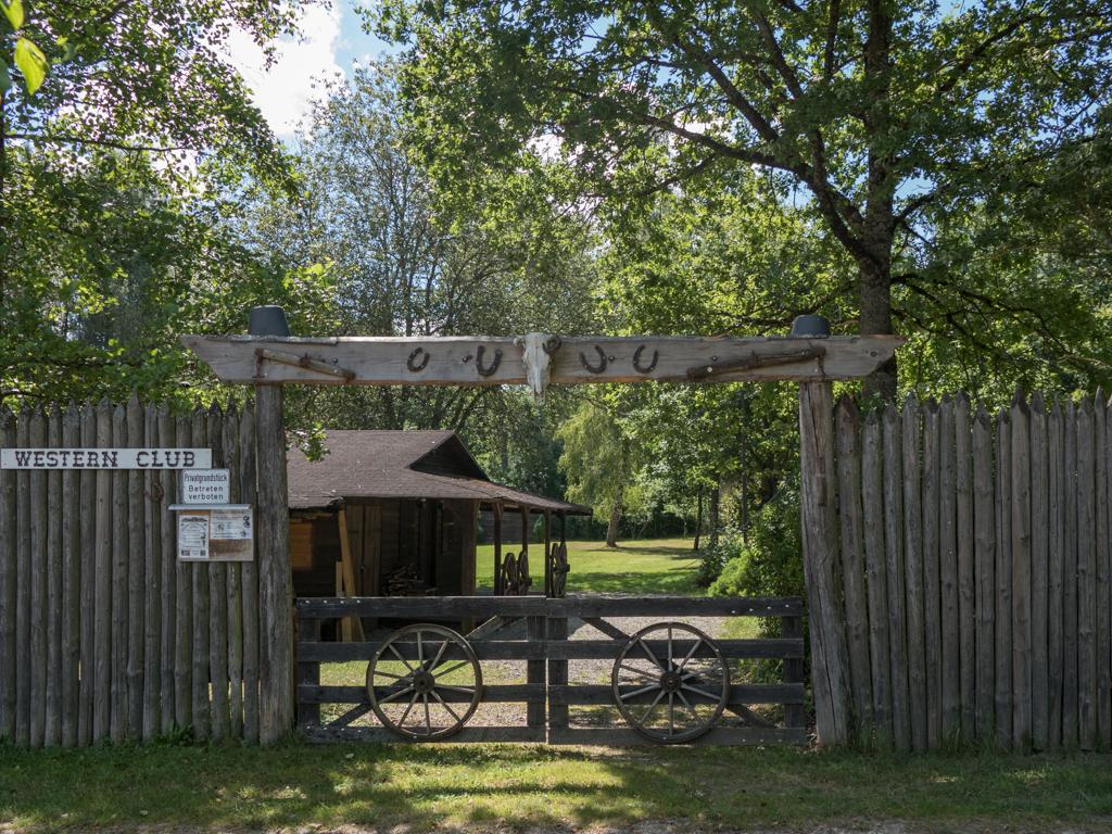 Eingang zum Vereinsgelände